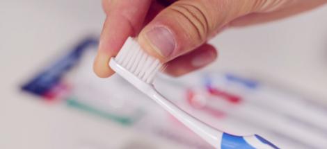 RECENZE: zubní kartáček parodontax Interdental