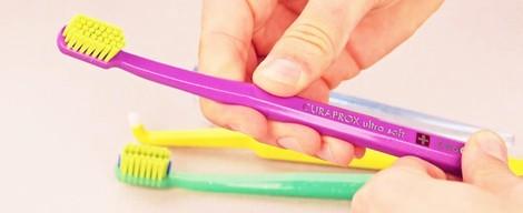Jak vybrat správný zubní kartáček? + VIDEO