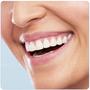 Oral-B PRO 2 2000 zubní kartáček