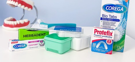 Jak se starat o snímatelnou zubní náhradu