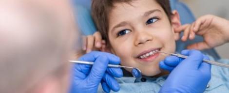 První návštěva dětí u zubního lékaře + VIDEO