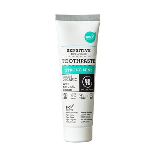 Urtekram Sensitive Strong Mint zubní pasta 75 ml